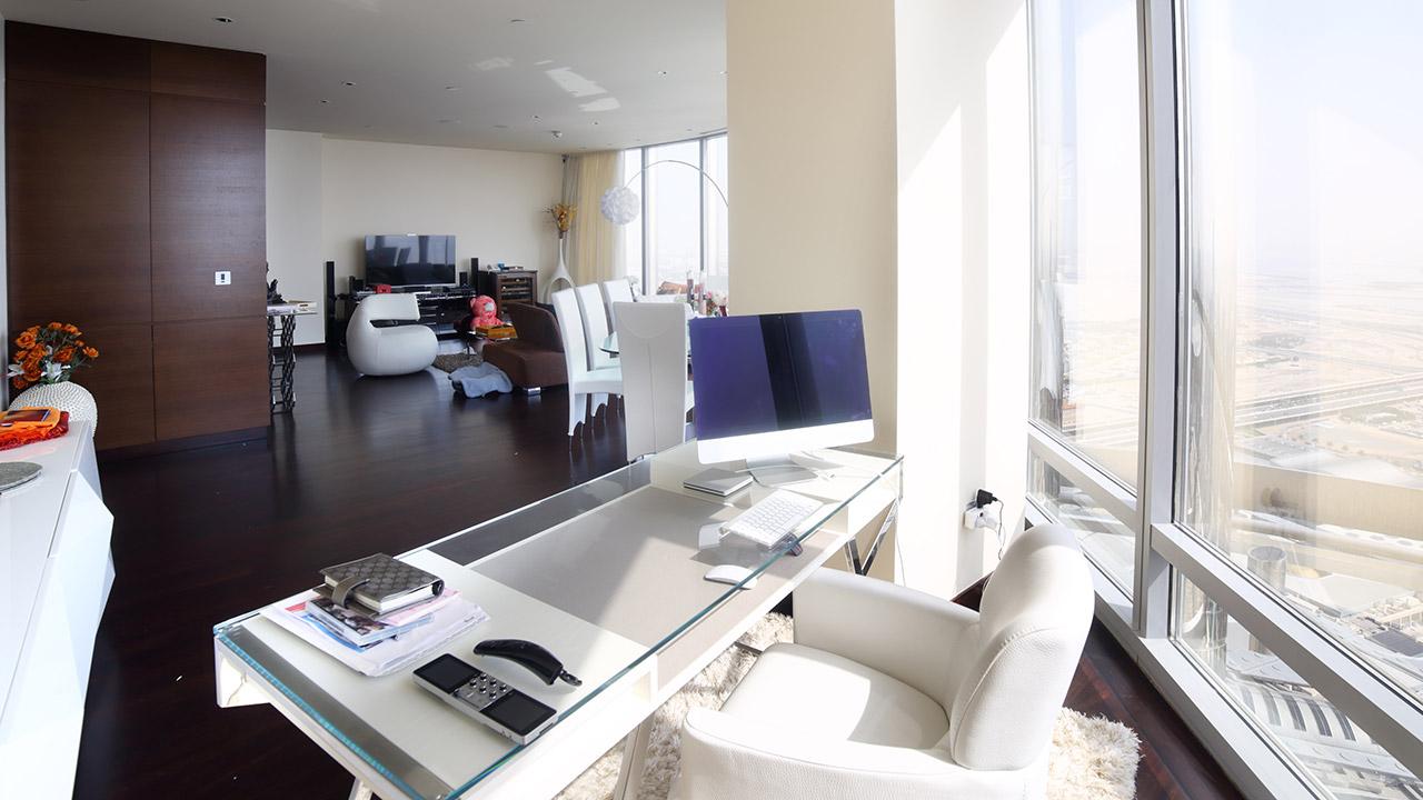Sizeable Modernized Apartment